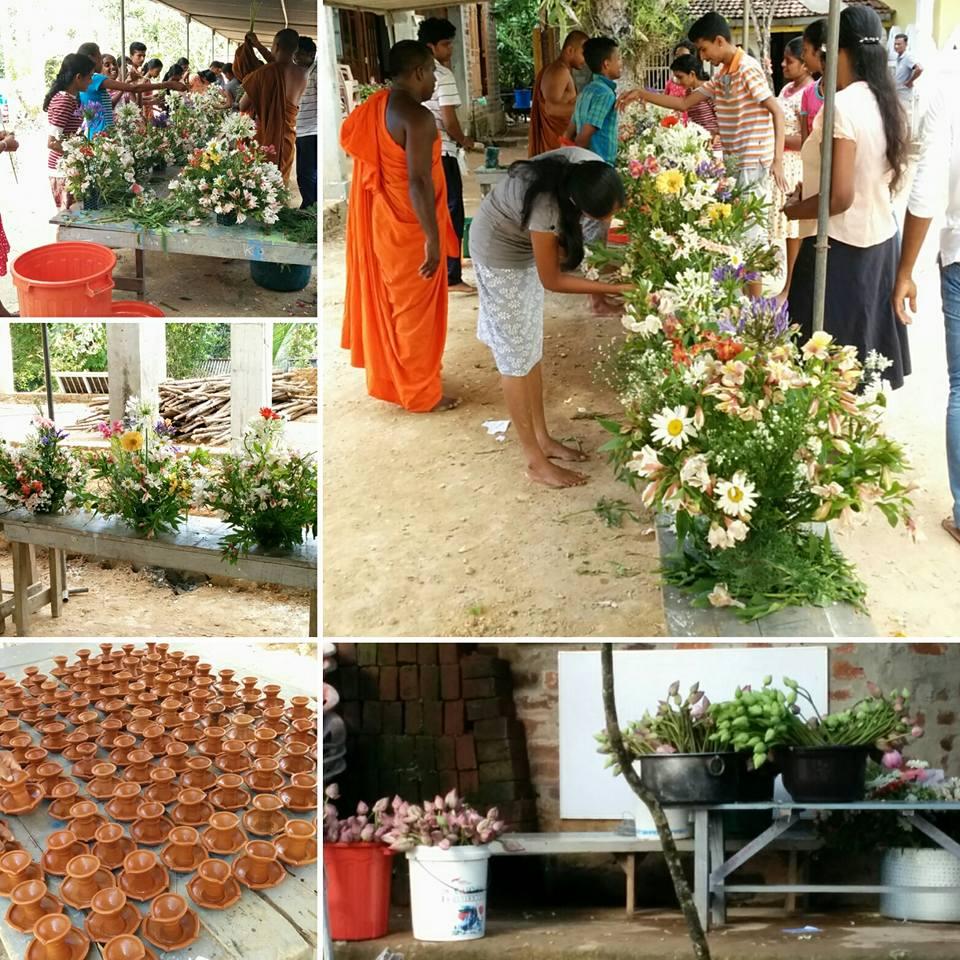 La c r monie des fleurs au temple bouddhiste m voyages - Fleur de lotus bouddhisme ...